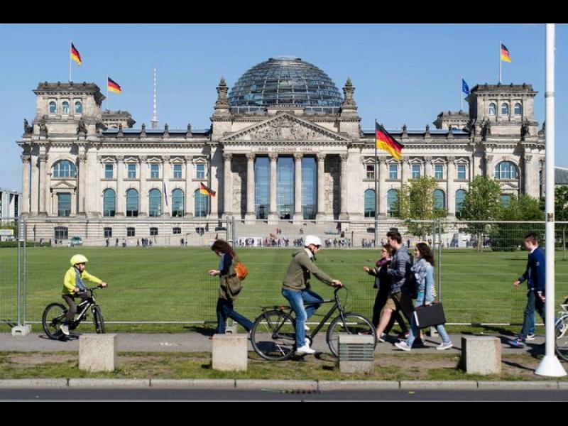 Германското правителство предлага парламентарни избори на 26 септември следващата година