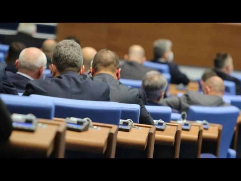 Прокурорът, разследващ главния, мина на първо четене в парламента