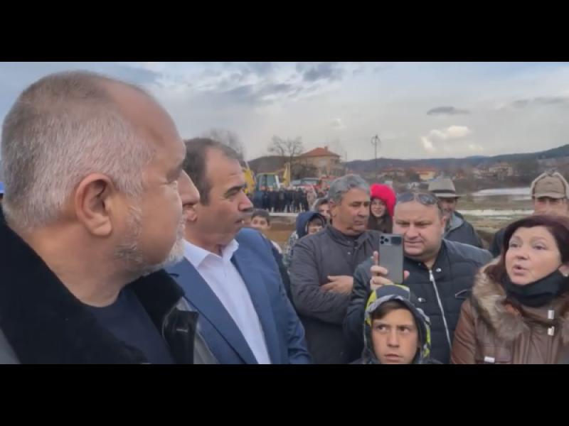 Наводнени българи благодариха на Борисов за земеделски помощи