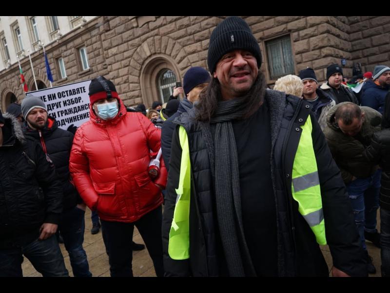 """""""Марш на свободата"""": ресторантьорите обсадиха Министерски съвет (СНИМКИ)"""