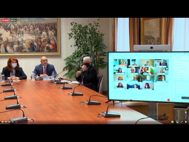 Президентът подкрепи българите в чужбина за гласуване по пощата