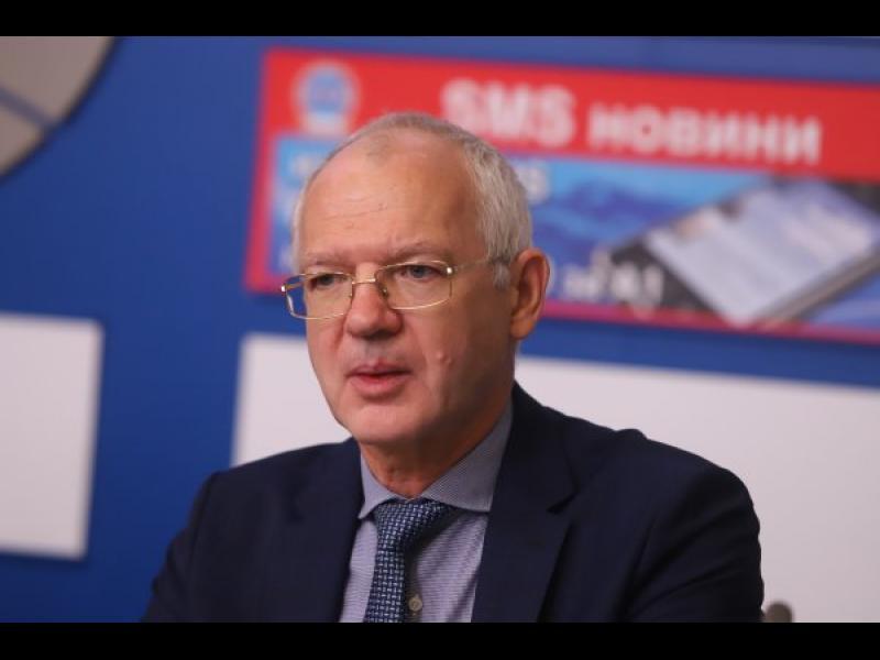Васил Велев: Нито едно средно предприятие не е получило помощ