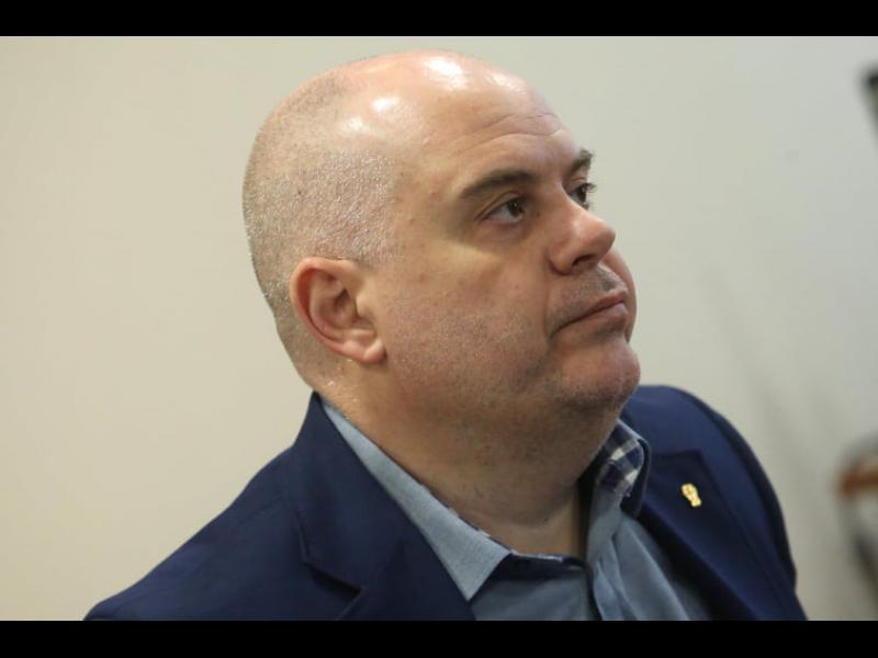 """Вечно разделеният ВСС - единодушно против """"надглавен"""" прокурор"""