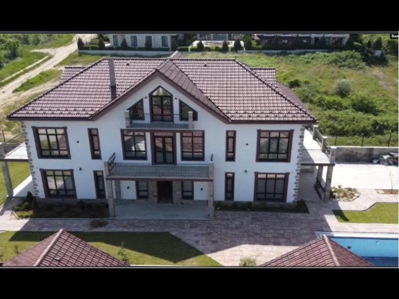 Как мръсни пари от Русия се превръщат в имоти в България