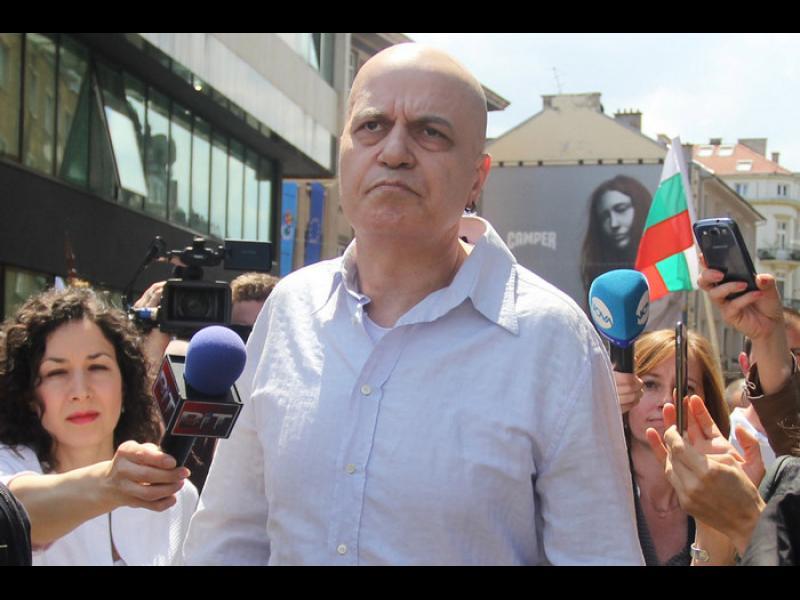 Божков предлага на Трифонов общо явяване на вота
