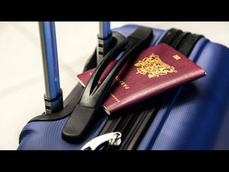 Пътуванията на българите зад граница са намалели с 92% - картинка 1
