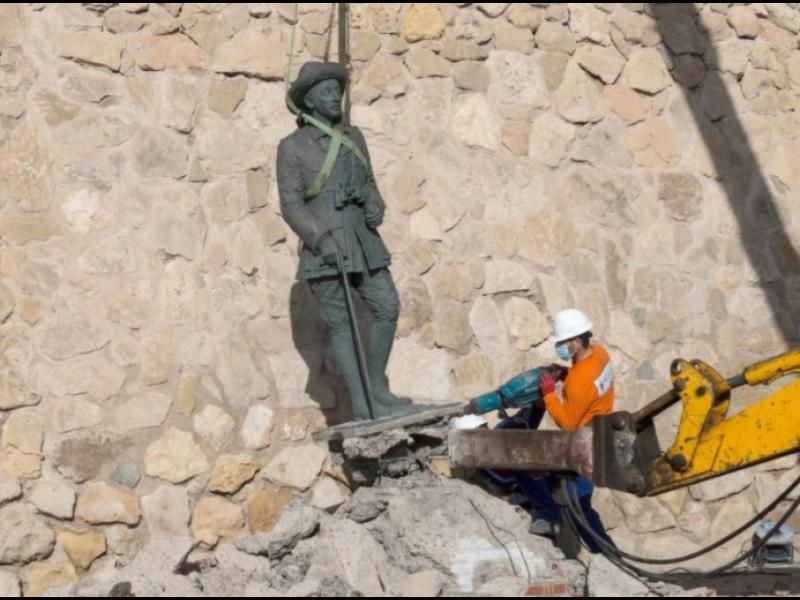 Испания премахна последния паметник на диктатора Франко