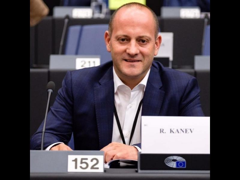 Радан Кънев: Ваксинацията ни е провал в три направления