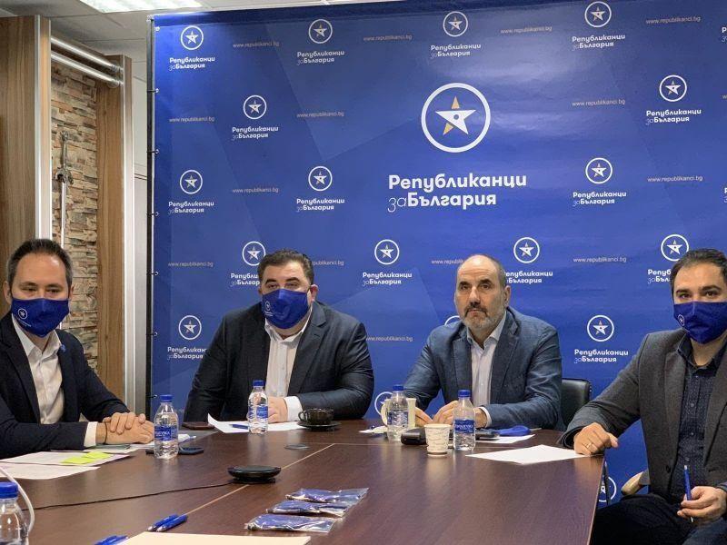 Павел Вълнев досега дарил  1 млн. лева на Републиканци за България