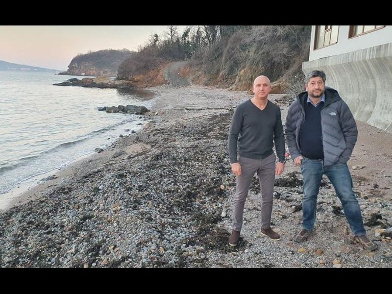 Христо Иванов от Росенец: Г-н Борисов, едно багерче и да съборите това пристанище?