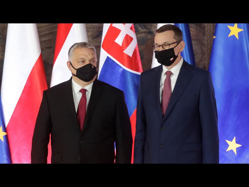 """Полша и Унгария сезираха Съда на ЕС за механизма """"пари срещу законност"""""""