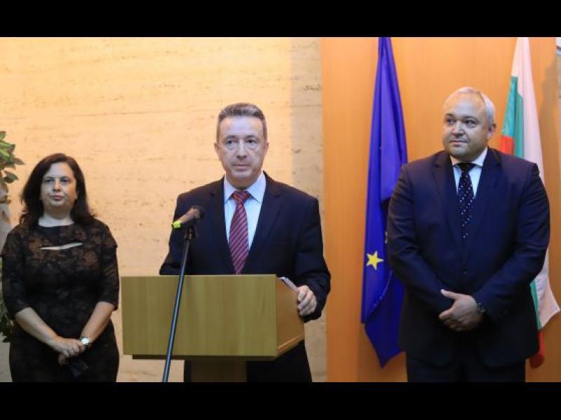 Стоилов започва проверка на Агенцията по вписвания и Търговския регистър
