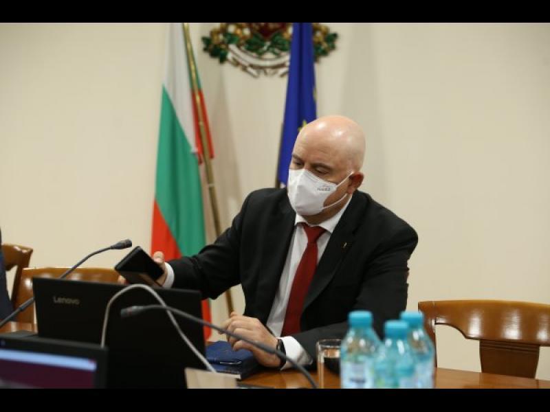 Гешев защитава спецправосъдието: Тричат съдиите!