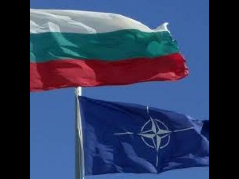 НАТО се солидаризира с България срещу Русия