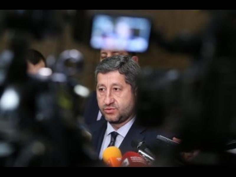 Христо Иванов: ГЕРБ организираха кръчмарска свада, за да заглушат факти