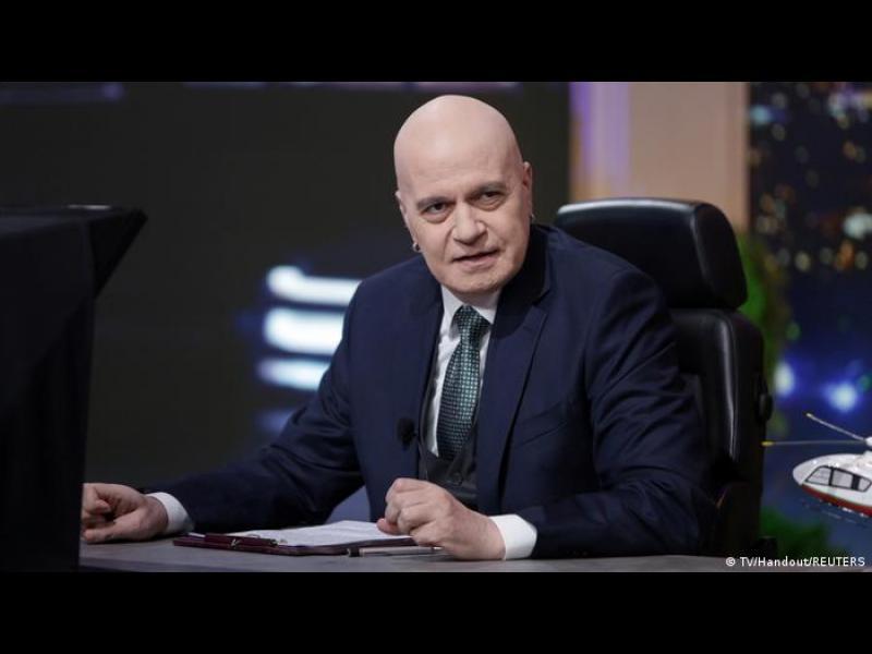 Разместване: как Слави Трифонов и ДБ превземат територии