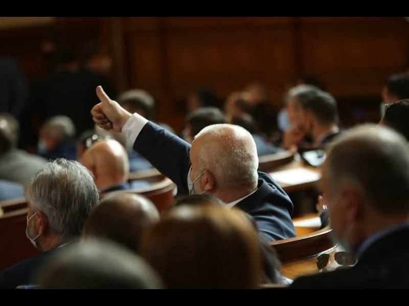 """Парламентът няма да сформира временна комисия за """"Росенец"""""""