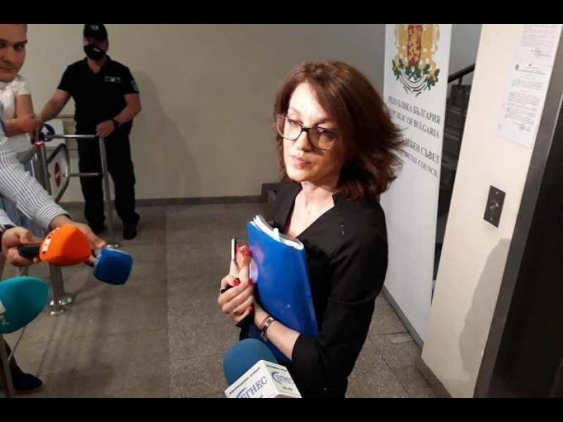 Валентина Маджарова стана шеф на спецпрокуратурата в конкуренция със себе си