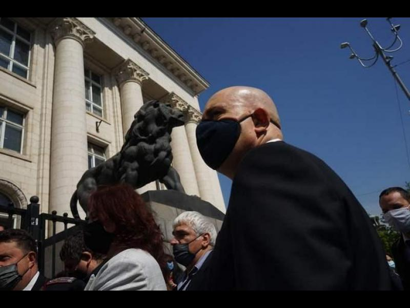 Гешев направил национално съвещание - без медии