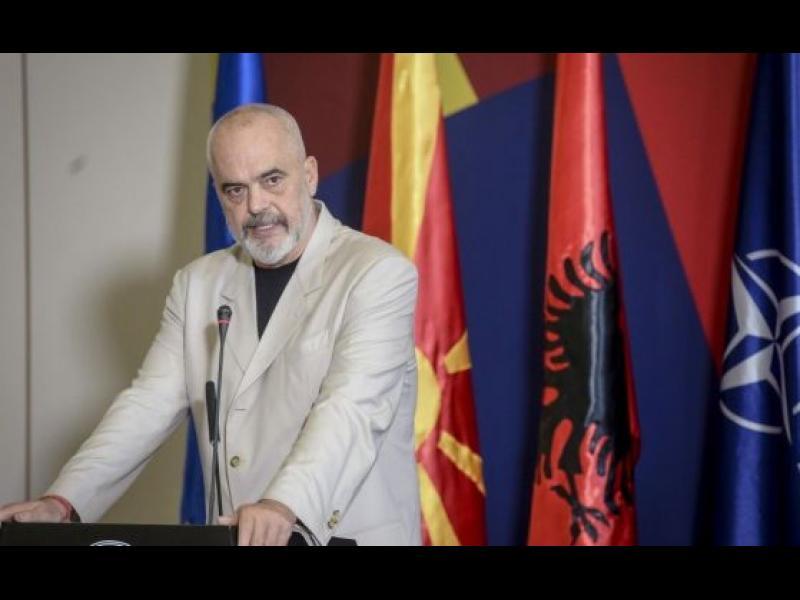 Албанският премиер към македонския: Дано не поискат да се наречете Западна България