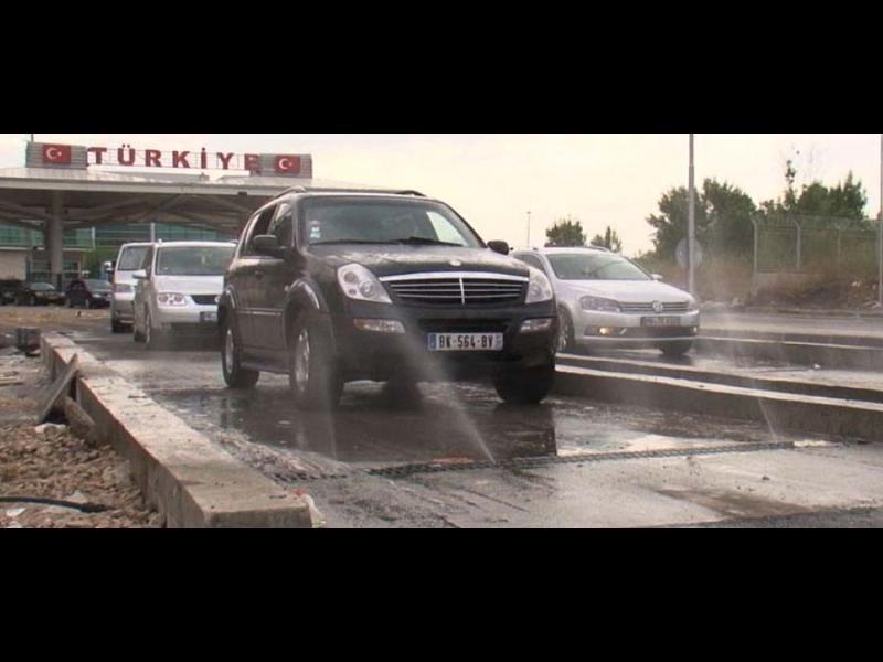 НАП запорира парите в брой на фирмата за дезинфекция на границата с Турция