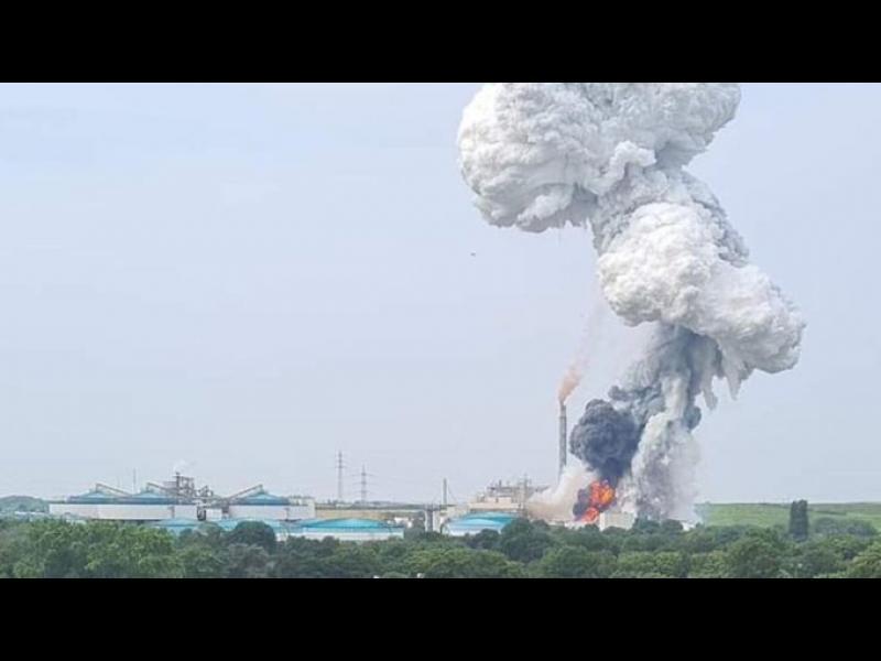 Взрив в химически завод в Леверкузен, петима в неизвестност