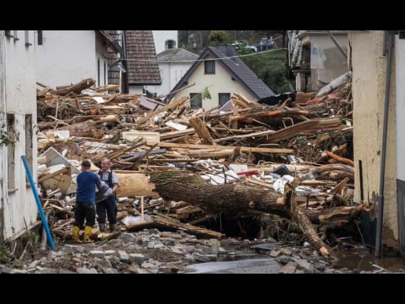 Жертвите на наводненията в Германия вече са 70