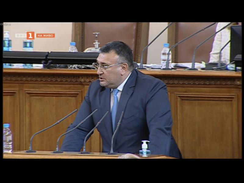 Парламентът ще разследва полицейското насилие от протестите. Но без Младен Маринов