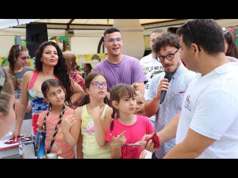 Звездите от Мастър Шеф и Мисис България въртят палачинки в Младост