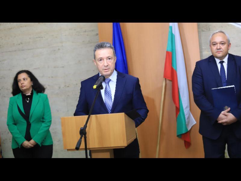 Янаки Стоилов предлага на ВСС да освободи Иван Гешев