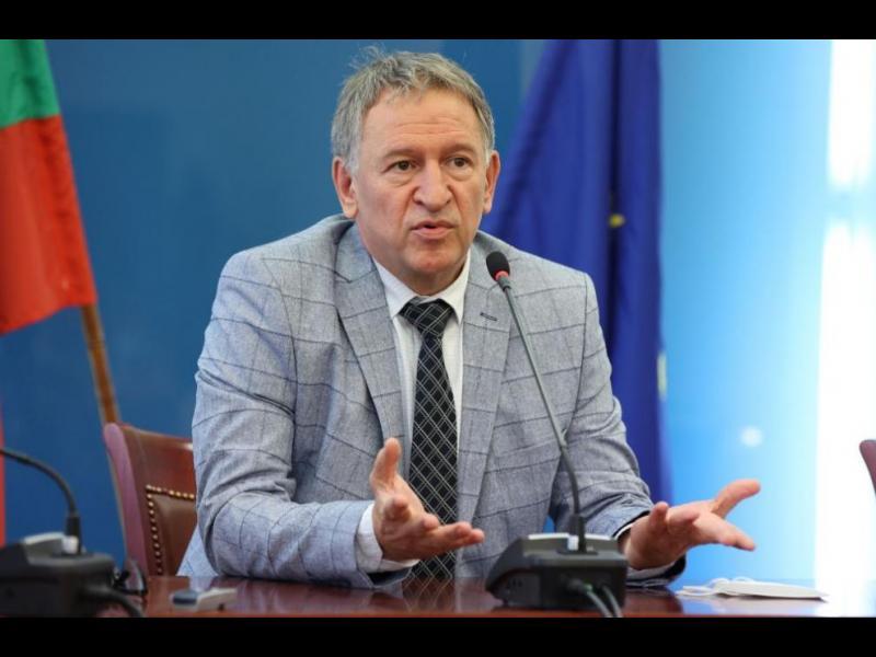 """Самият здравен министър - един от фалшивите пациенти на """"Пирогов"""" с """"диагноза цироза"""""""