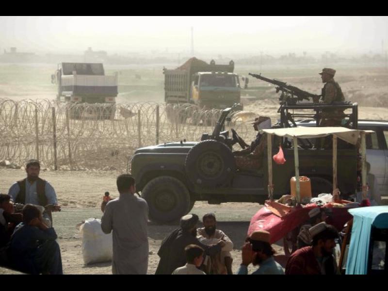САЩ оставят Кабул сам да се бори с талибаните