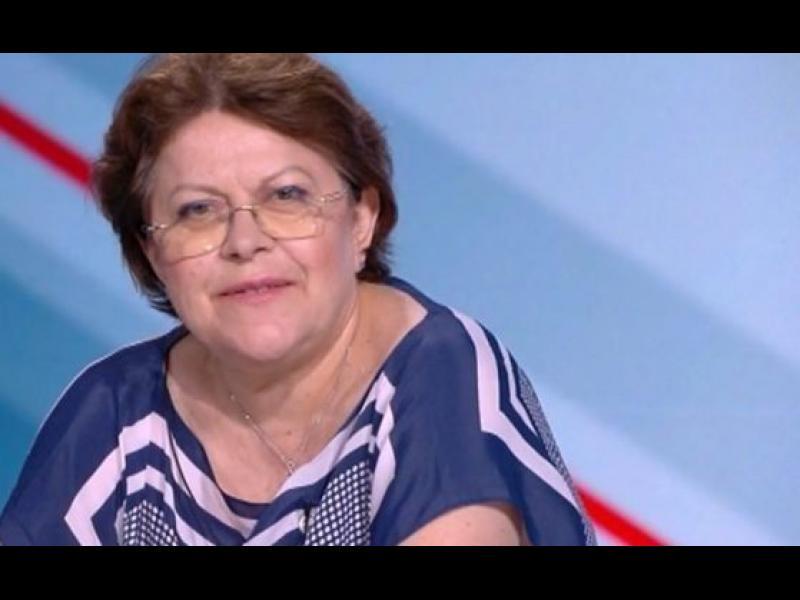 Дончева: Който отговаря за Слави Трифонов, да осигури подписа му за общ кабинет до пролетта