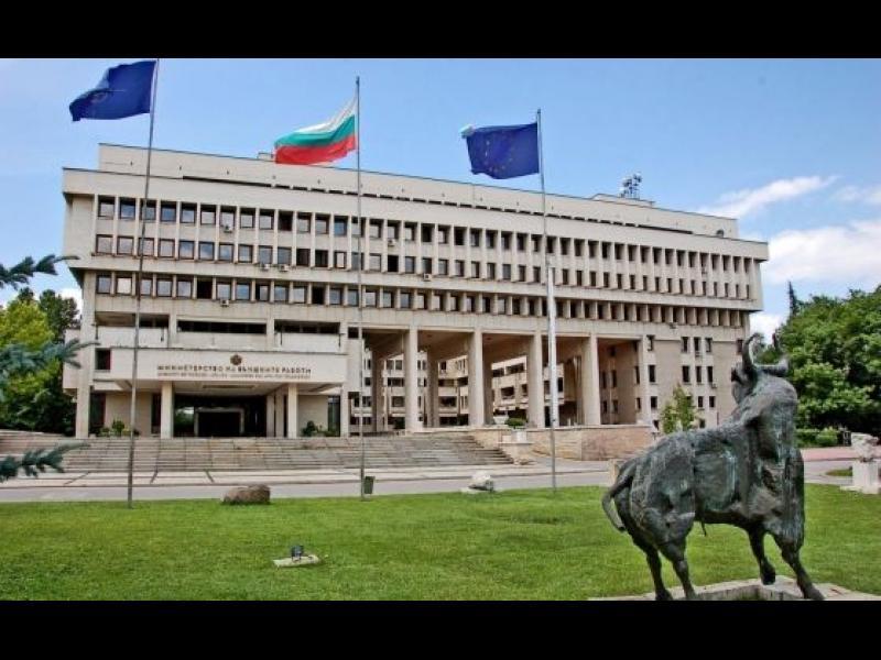 Кабинетът връща четирима посланици и освобождава консула ни в Солун