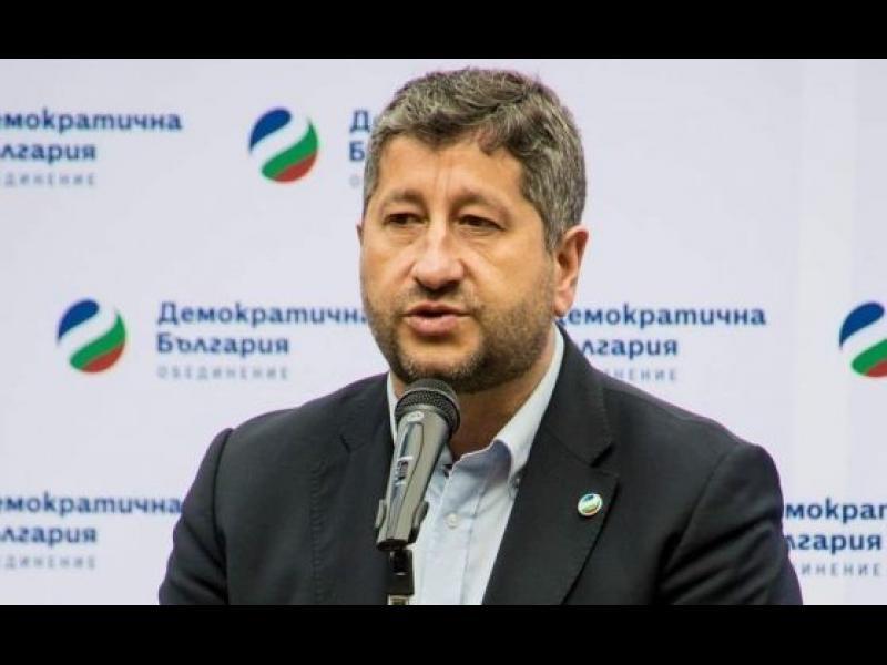 Маркет линкс: Слави Трифонов и Христо Иванов са най-харесваните политици, лидерът на ДБ удвоил резултата си