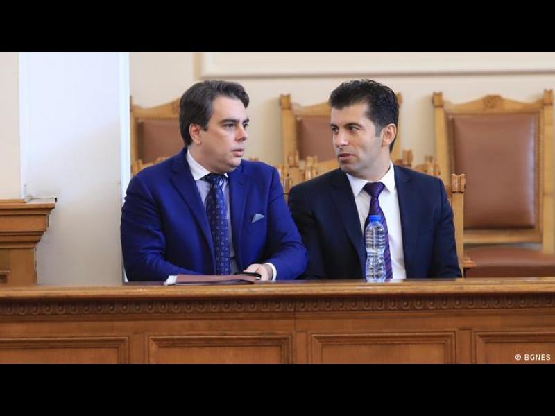 Колко и какви избиратели ще привлекат Кирил Петков и Асен Василев