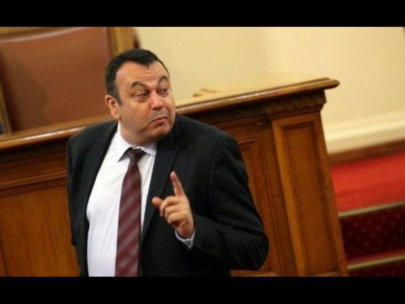 ''Ахмед Доган няма връзка с резиденцията Росенец, това е база за водни спортове''