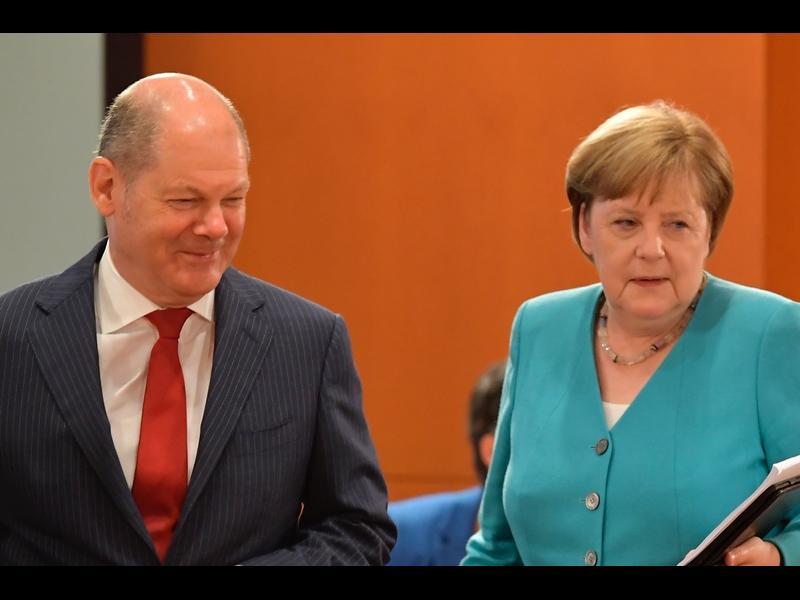 Социалдемократите водят преди изборите в Германия - картинка 1