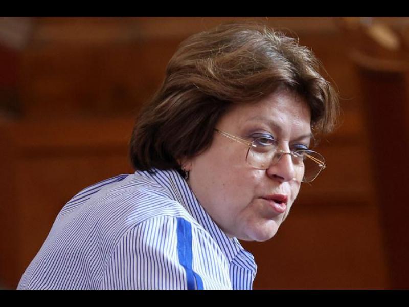 Дончева: Маловажно е в полза на кого работи Трифонов - важна е истината