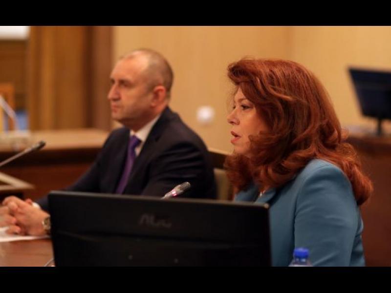 Йотова: Инициативен комитет ще ни издигне с Радев