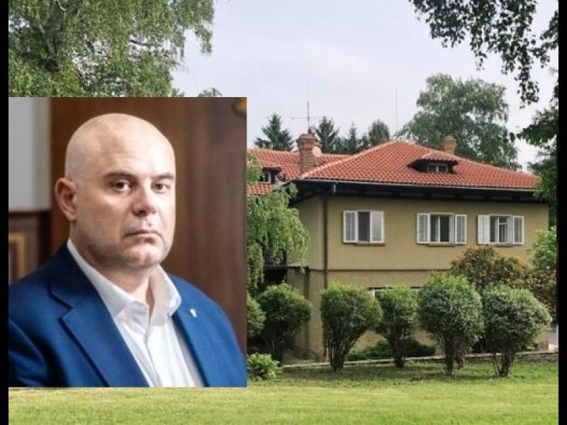 """Гешев вече не живее в резиденция """"Бояна"""""""