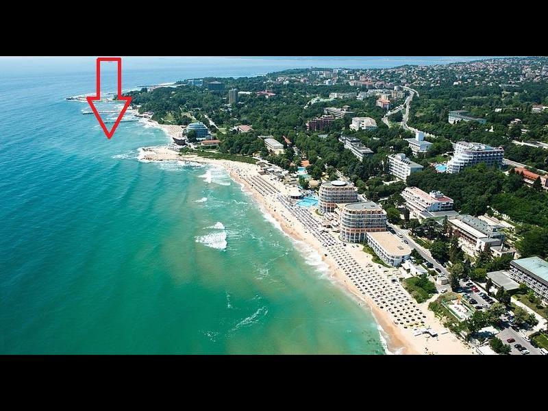 На кого му трябва нов остров до Варна?