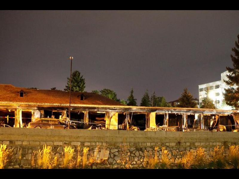 Най-малко 10 загинали при пожар в Covid болница в Тетово
