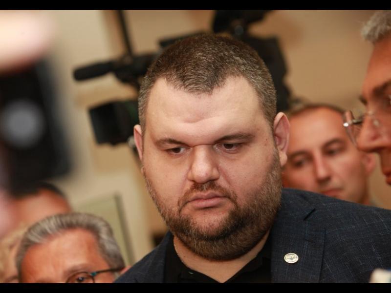 Прокуратурата се е отказала да разследва Пеевски по 14 преписки - картинка 1