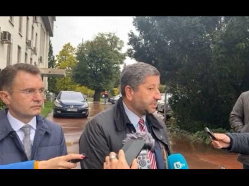 В последния момент: Христо Иванов повежда листата в Търново заради Пеевски - картинка 1